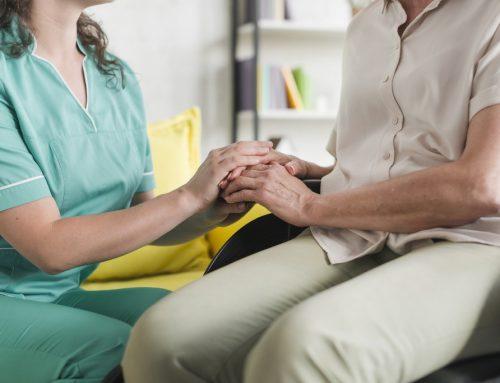 Como funcionam os direitos trabalhistas dos cuidadores de idosos?